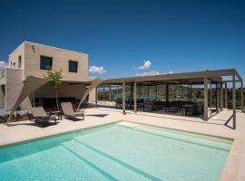 Diaporos Villa Sleeps 8 Pool Air Con WiFi