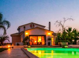 Luxurious Villa With Pool Close To The Airport