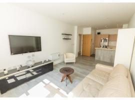 Fantastic 2 bedroom flat with Parking