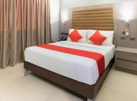 OYO 146 Solace Hotel
