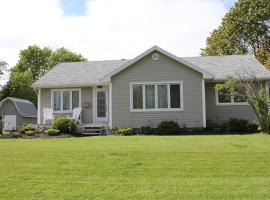 J & B Vacation Home, 4 min to UPEI campus home of Andrews Hockey