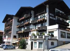 GH Hotel Monzoni, Pozza di Fassa (Meida yakınında)