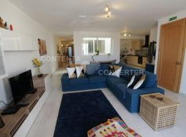 New & Luxurious Arcadia Apartment