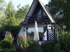Ferienhaus auf Großem Wassergrundstück mit Kamin