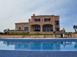 Villa Vadell Calonge es un alojamiento de lujo para sus vacaciones perfectas en Mallorca
