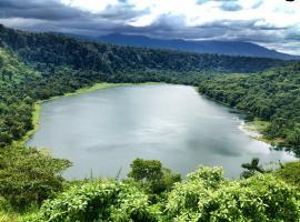 Laguna Hule Crater Casa