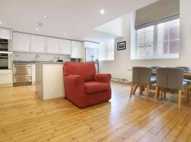 Stylish Loft-Style Apartment Close to Overground