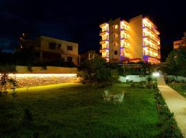 Sagini Hotel, ルトラ・エディプソス