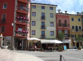 Hotel Centrale, Rovere Veronese (Velo Veronese yakınında)