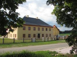 Penzion na Faře, Dubenec (Velký Vřešťov yakınında)