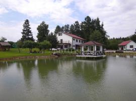 Kure Guesthouse, Rahinge (Äksi yakınında)