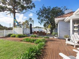 The 10 best pet-friendly hotels in Sorrento, Australia | Booking com