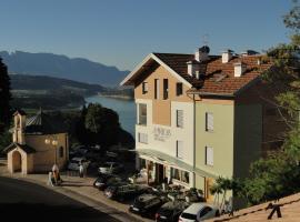 Viridis Hotel, Revò (Romallo yakınında)