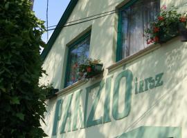 Írisz Panzió, Budapeste