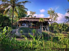 Retro Treehouse Balian