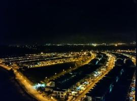 【Largest Pool in JB】【Best City Views】【5km LegoLand】【6KM Bukit Indah】