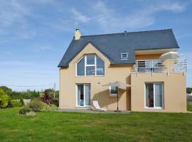 Holiday Home Camaret-sur-Mer - BRE06217-F