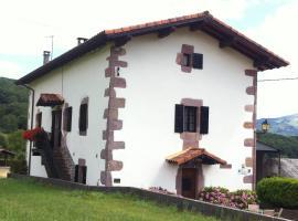 Casa Rural Eguzkialde, Maya del Baztán (Errazu yakınında)
