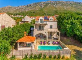 Sustjepan Villa Sleeps 10 Pool Air Con WiFi