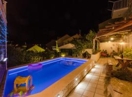 Family friendly apartments with a swimming pool Sustjepan (Dubrovnik) - 17308