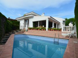 LA ATALAYA: chalet con piscina para 14 personas