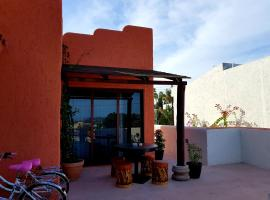Private and Gated Guest Casita ideal for couples
