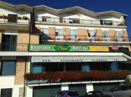 Hotel Pina Ristorante, Isola del Gran Sasso d'Italia (Tossicia yakınında)