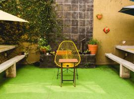 Blue Pepper Hostel & Bar