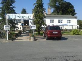 Hotel Weißes Haus, Herzberg (Altfriesack yakınında)