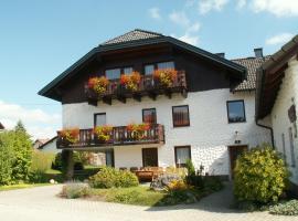Gästehaus Familie Grudl, Bärnkopf (Schönbach yakınında)