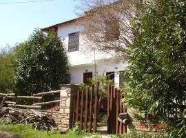 Dina Studio Maisonettes, Platanias (рядом с городом Mikro)