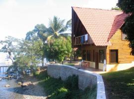 Denny's Beach Resort Hotel, Mariscos (рядом с городом El Estor)