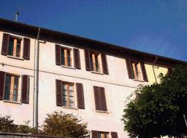 Le Camelie, Brissago Valtravaglia (Grantola yakınında)
