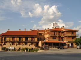 Hotel Langa, Cerezo de Abajo (Los Cortos yakınında)