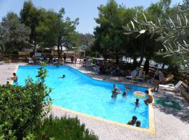 Hotel Petit Village, Eretria