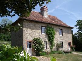 Gîte des Aulnaies, Saint-Aubin-sur-Algot (рядом с городом Notre-Dame-de-Livaye)