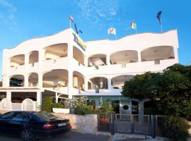 Hotel Il Vascello, Marina Serra