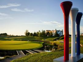 Novotel Saint Quentin Golf National, Маньи-лез-Амо (рядом с городом Gomberville)