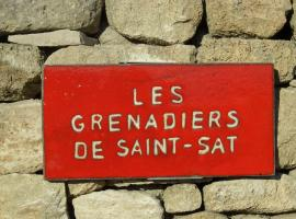 B&B - Les Grenadiers de Saint Sat, Сен-Сатюрнен-д'Апт