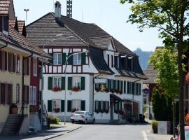 Gasthaus zum Löwen, Neftenbach (Buch yakınında)