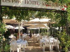 Les Pins restaurant et chambre d'hôtes, Sillans-la Cascade
