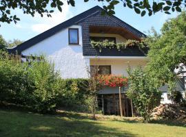 Ferienwohnung Klosterberg, Lehmen (Niederfell yakınında)