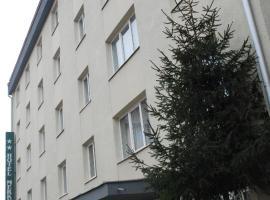Hotel Merkur, 미에르쿠리에씨우크