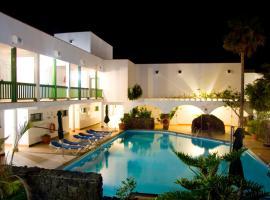 Aparthotel Esquinzo Y Monte Del Mar