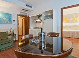Fenice Apartments in Venice - Not Just a Stay, Venedik (La Giudecca yakınında)