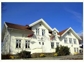 Paulsens Hotel, Lyngdal