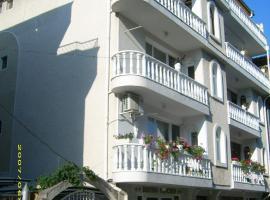 Hotel Pasians, Ahyolu
