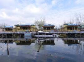 Mahjong Houseboats, Сринагар (рядом с городом Gagribal)