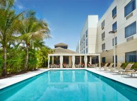 西棕櫚海灘機場希爾頓花園酒店