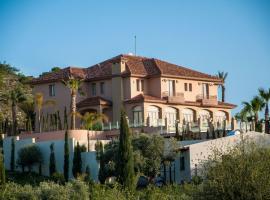 Fotini Villa, Alethriko